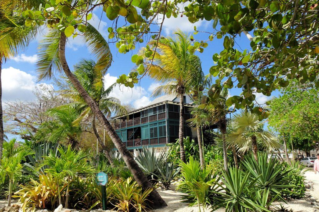 Ilhas Cayman estão concedendo visto especial para nômades digitais