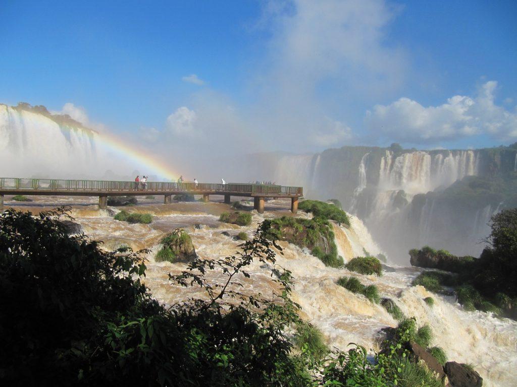 Foz do Iguaçu fica na fronteira entre Brasil e Argentina
