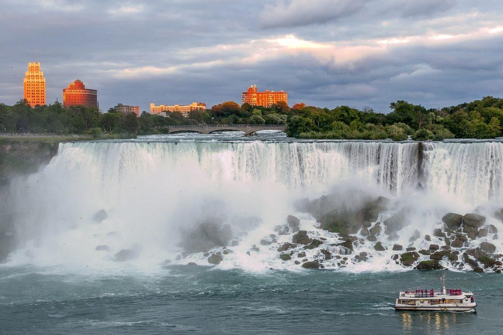 Niagara Falls foi muito vista no Brasil graças ao desenho do Picapau