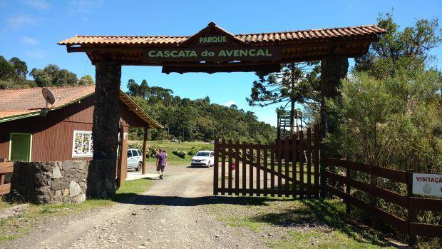 O parque Cascata do Avencal é outro lugar para ver de perto a cachoeira da Serra Catarinense