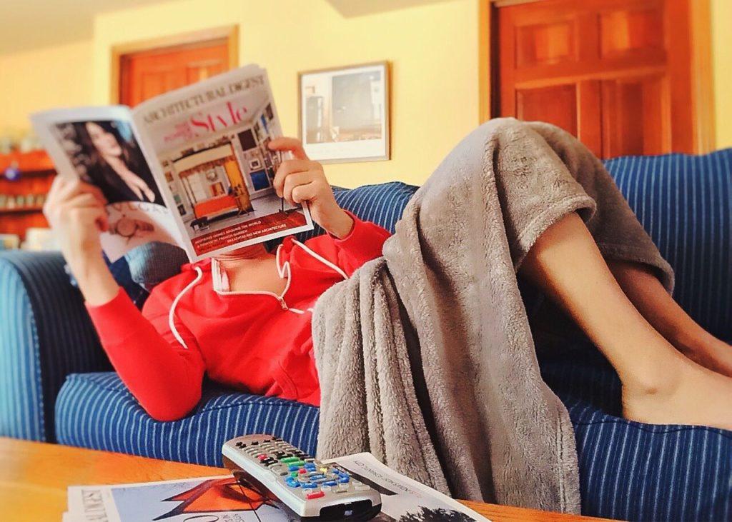 Você pode economizar nas viagens se escolher uma modalidade de hospedagem como o Couchsurfing