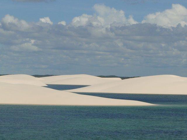 Mais de 15 lagoas integram o Parque dos Lençóis Maranhenses