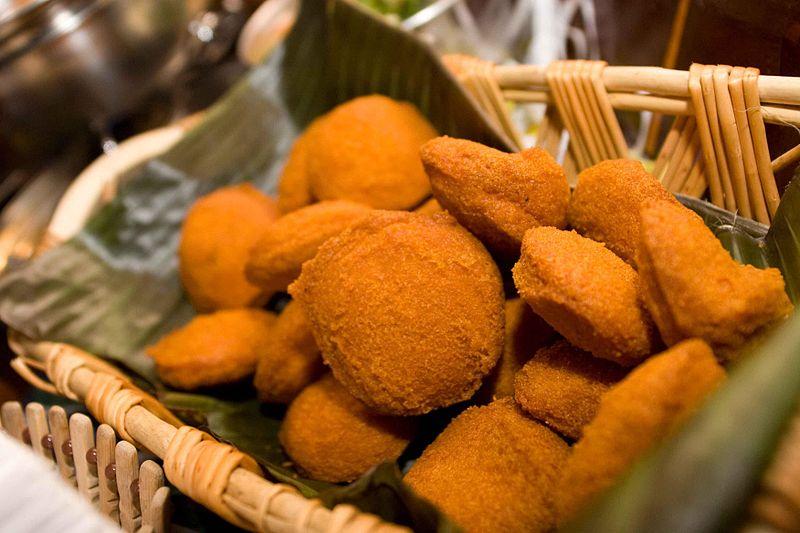 O acarajé é um dos mais famosos pratos típicos baianos