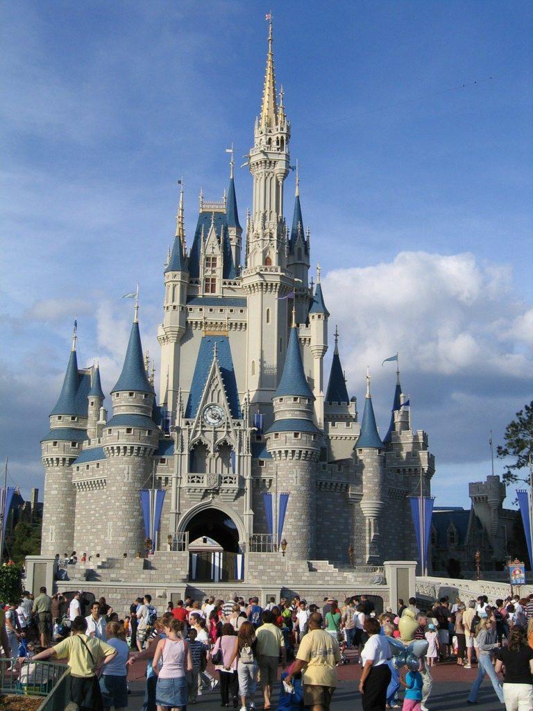 Na lista de quais são os parques de Orlando o mais famoso é oMagic Kingdom