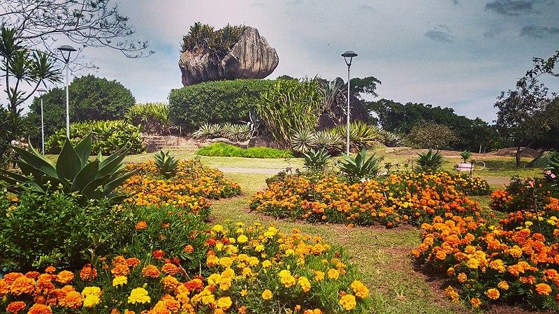 Também entre os grandes pontos turísticos está o Parque da PEdra Cebola