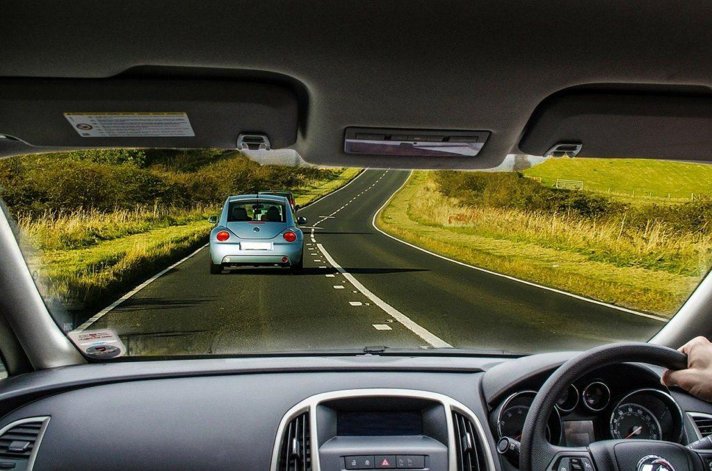 As viagens de carro são as mais indicadas durante a quarentena