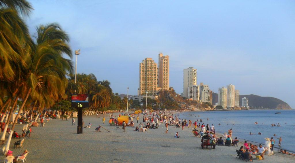 A costa local integra o Caribe colombiano