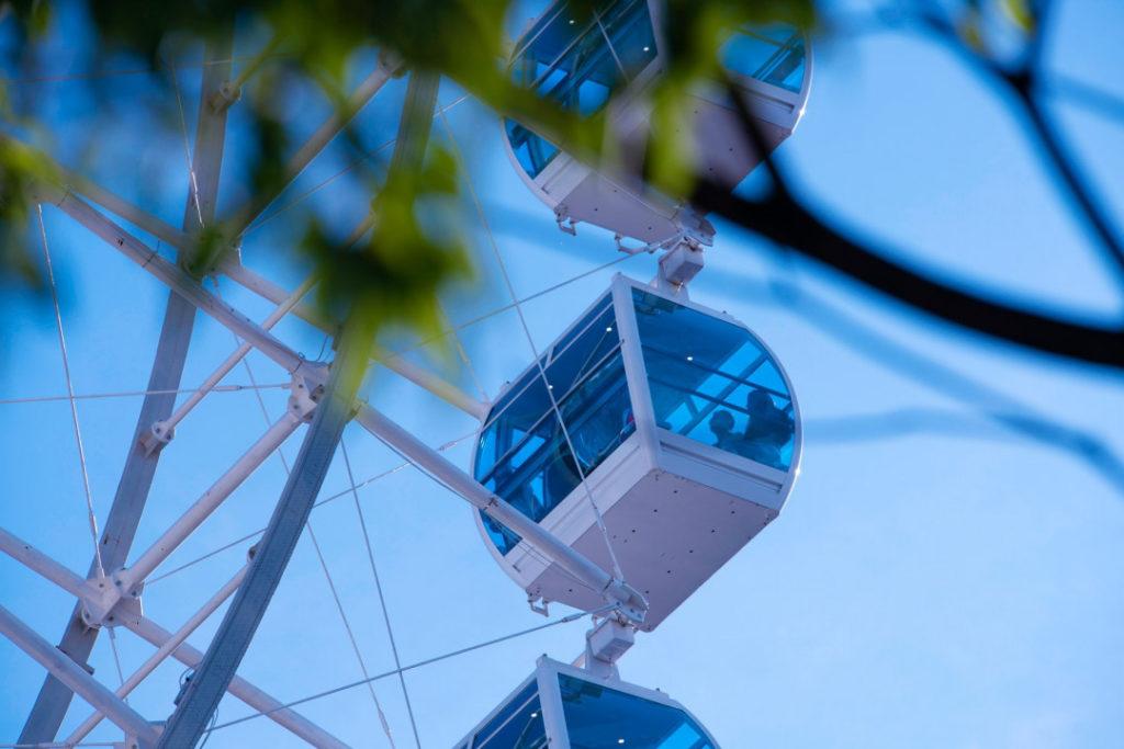 Além de saber quais os horários e valor do ingresso da roda gigante do Rio você também aprende que dá para ver boa parte dos cartões postais da cidade