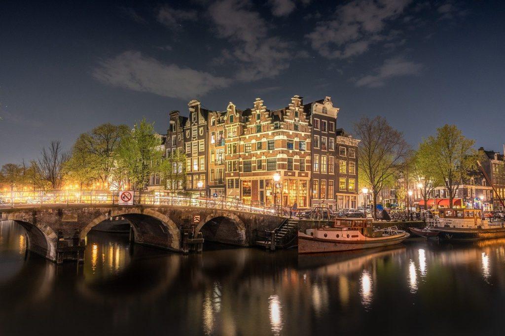 A carestia chega também em Amsterdã