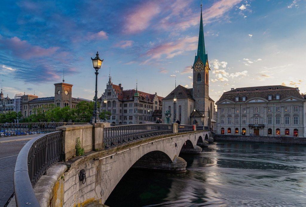 Zurique também tem alto padrão de vida o que encarece para os viajantes