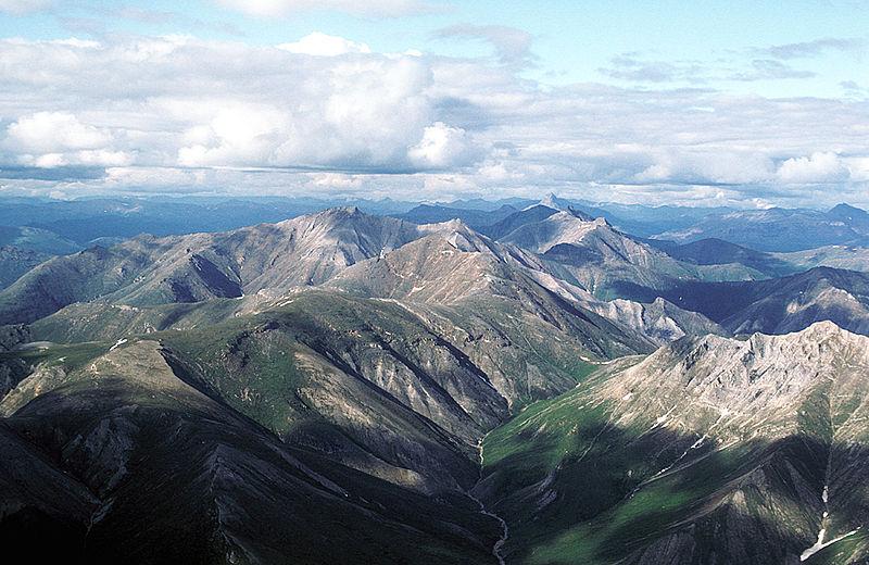 Caminhadas noturnas com guia neste que integra a lista de 7 parques para explorar no Alasca