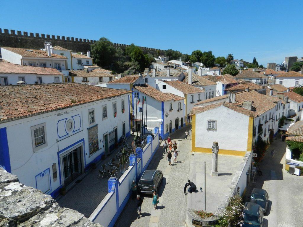 Em Portugal, Óbidos é a representante