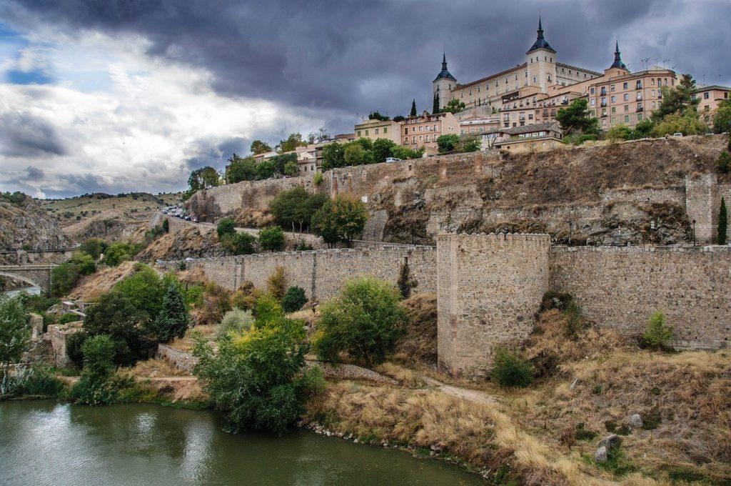 A Espanha possui duas cidades fortificadas