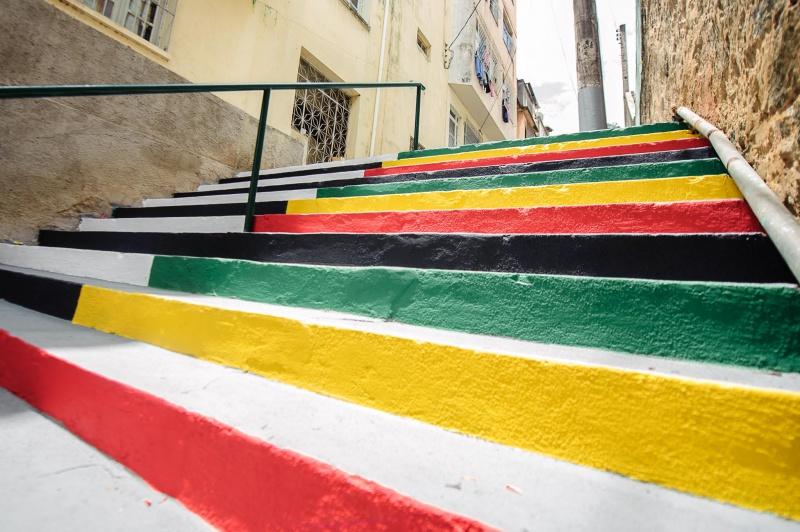 Entre as escadarias mais instagramáveis do Brasil, a de Vitória foi renovada