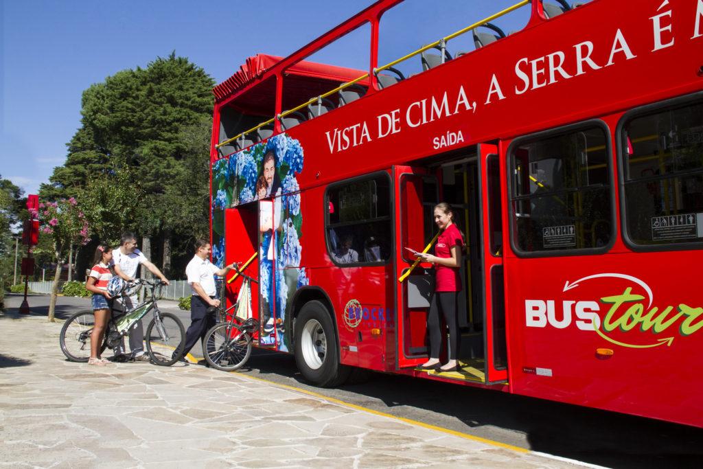 Há a possibilidade deste ônibus de turismo para conhecer os vários pontos da cidade