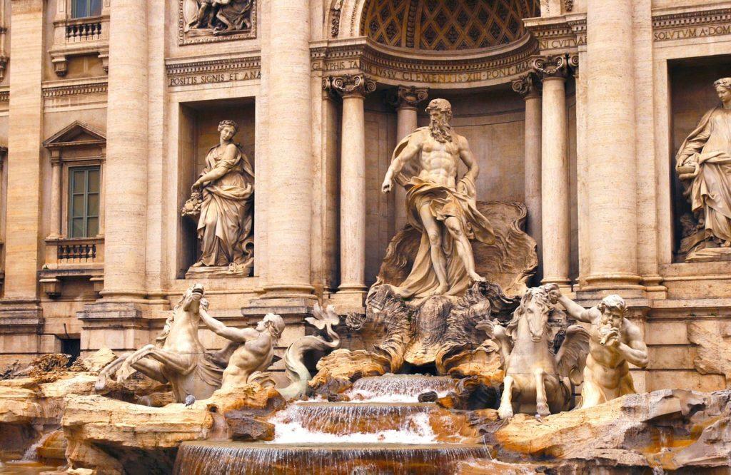 A Fontana Di Trevi é mais um atrativo que pode ser visitada quando for conhecer também o agora reaberto Mausoléu de Augusto
