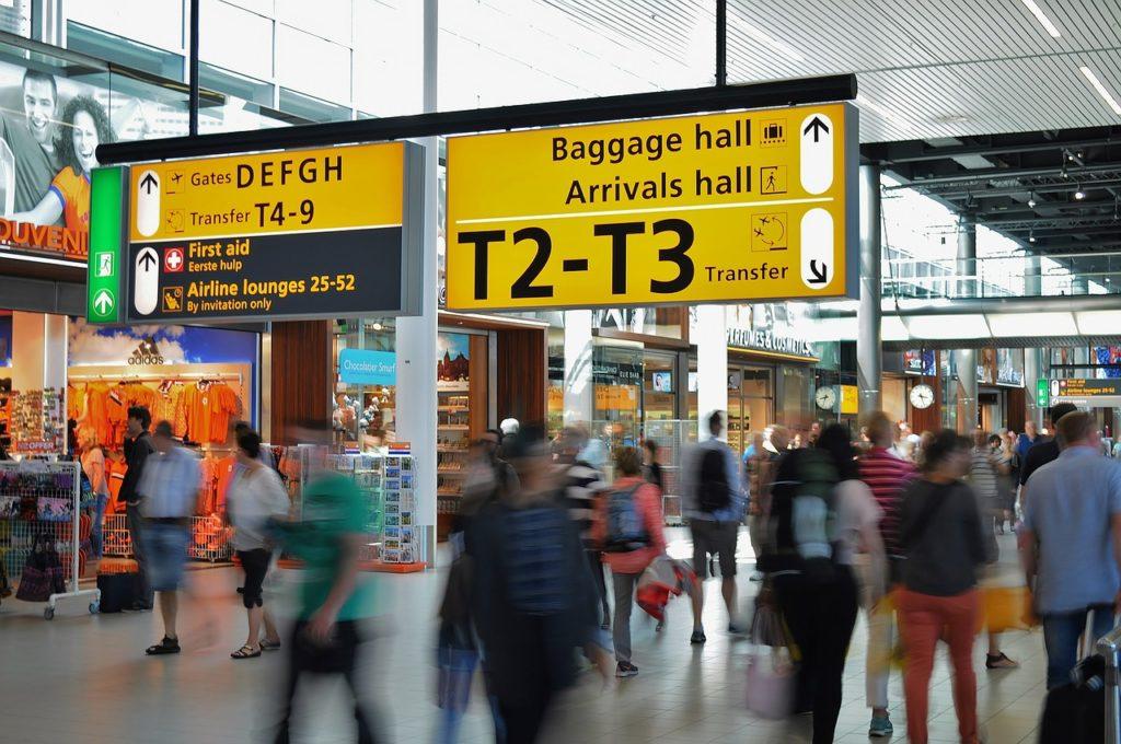 Os aeroportos têm regras, é importante chegar sem atrasos e ficar de olho nos anúncios de voos