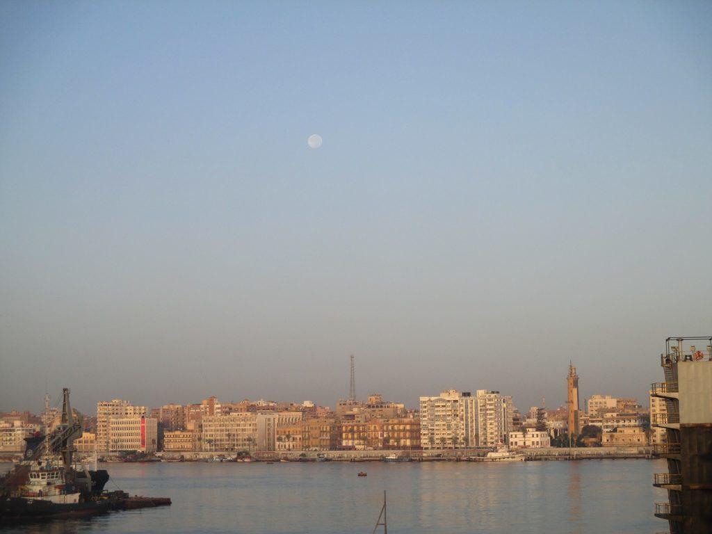 A cidade portuária de Suez é muito bonita e vale a visita