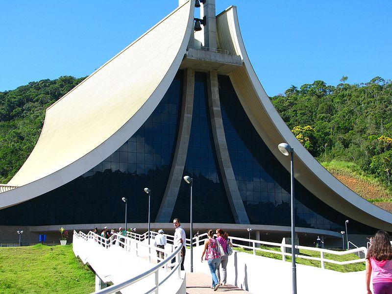 Tem roteiro religioso também nas dicas para onde viajar no feriado de Corpus Christi