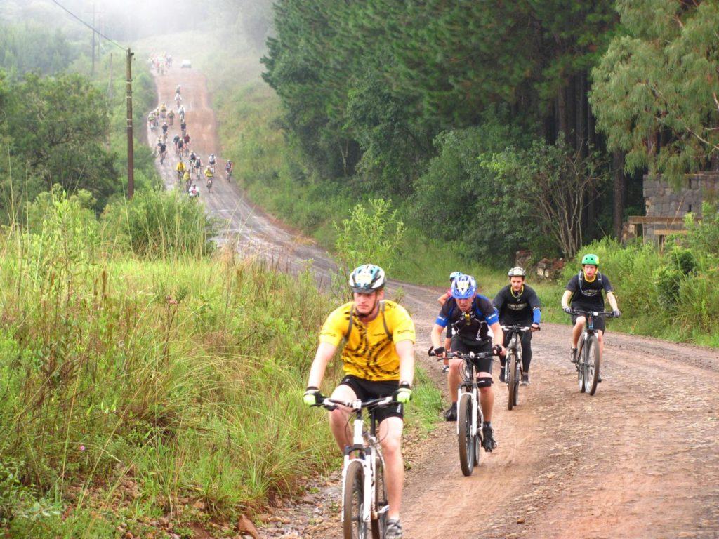 Há muito cicloturista em Lages, atrás dos belos cenários