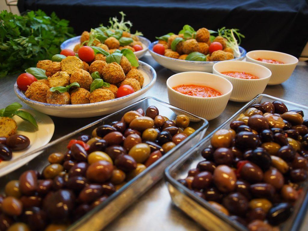 Quais os principais pratos da culinária árabe