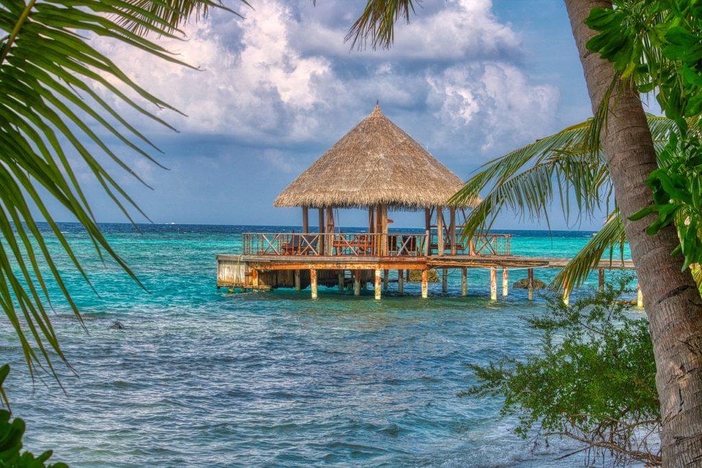 Qual viagem combinar com Maldivas