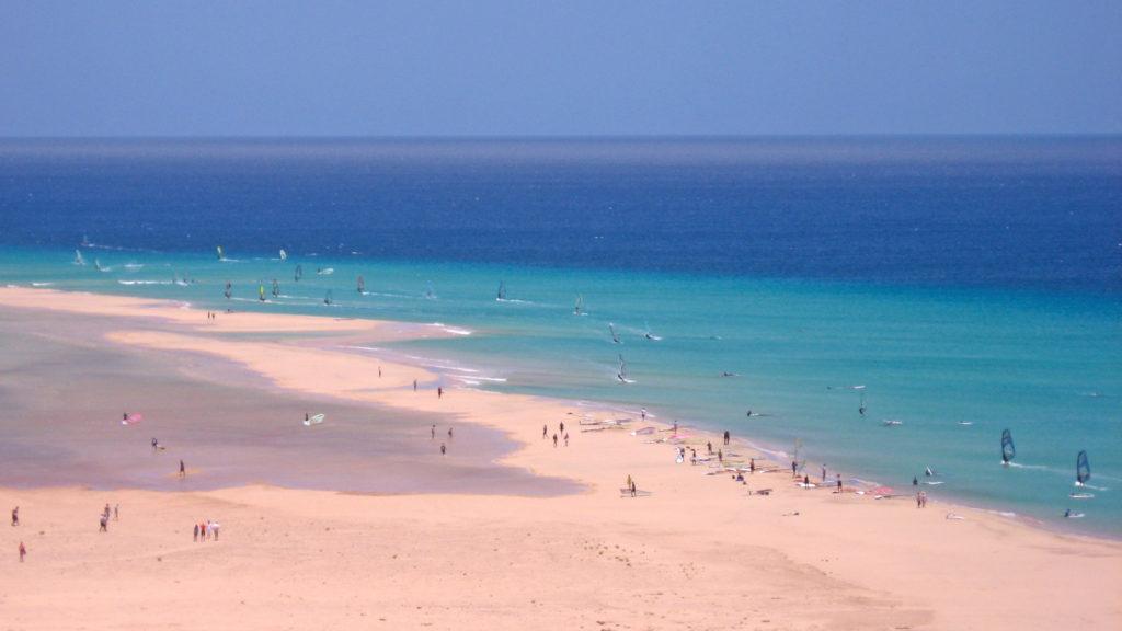 Sotavento fica nas Ilhas Canárias e figura na lista das praias mais bonitas do mundo