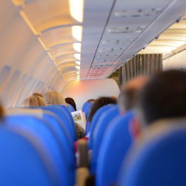 É seguro viajar de avião na pandemia?
