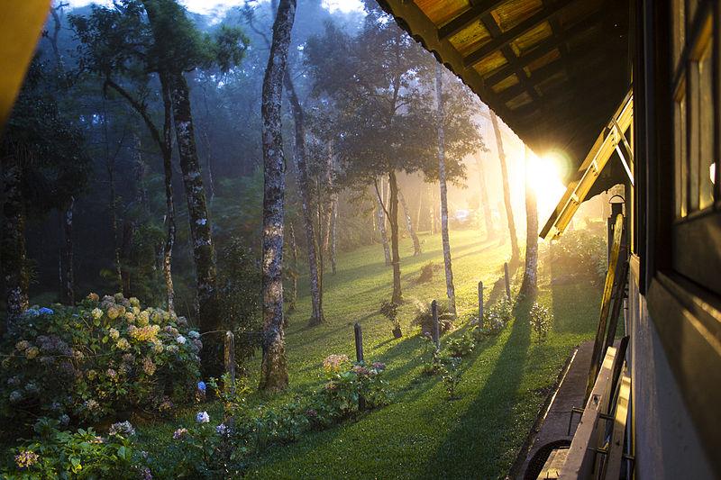 Ver o sol nascer está entre o que fazer em Monte Verde MG