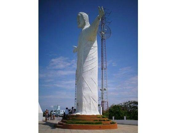 A estátua de Cristo de Barra Velha foi trocada nos anos 1990