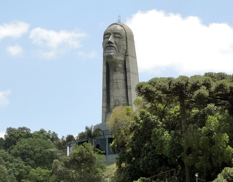 Outra cidade gaúcha que mantém estátua de Cristo é Caxias do Sul