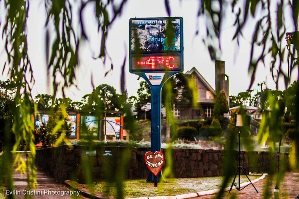 Termômetro marca baixa temperatura na serra catarinense e mostram quando começa o frio em 2021
