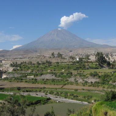 5 vulcões para visitar na América do Sul: Misti, no Peru
