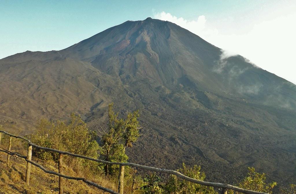 Representante da Guatemala na lista dos 5 vulcões para visitar na América do Sul é o Pacaya