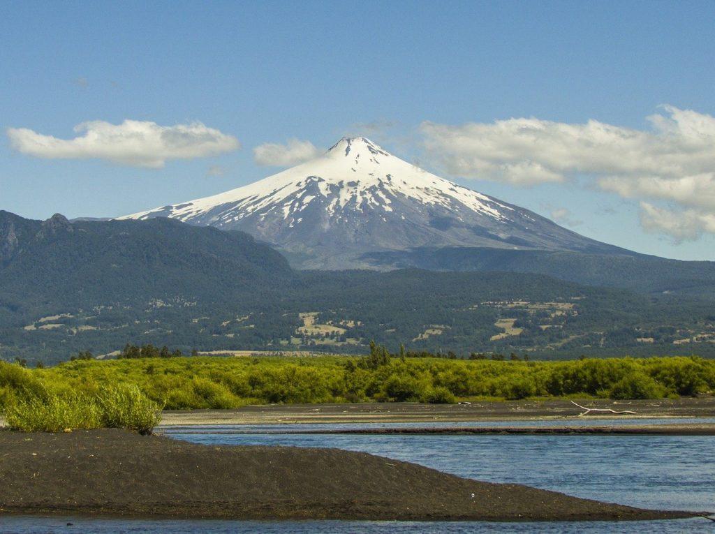 5 vulcões para visitar na América do Sul: Villarrica, no Chile
