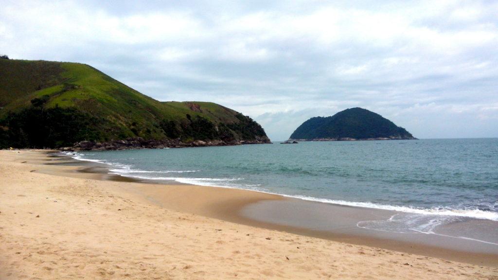 A lista das mais belas praias do litoral paulista termina com a Praia do Toque-Toque Pequeno em São Sebastião