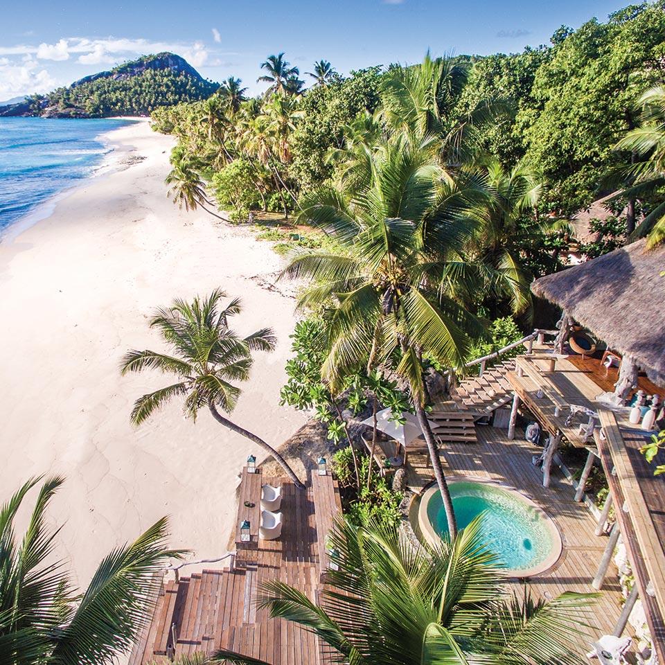 A lista de hotéis com hidromassagem privativa abre com o North Island, em Seychelles