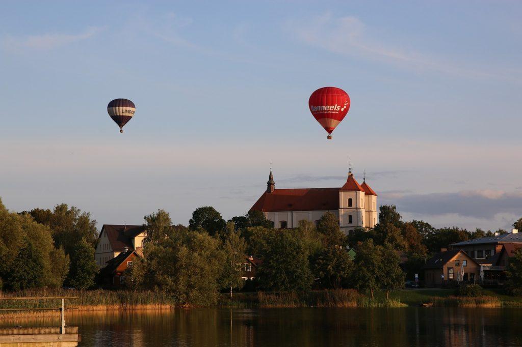 O que fazer na Lituânia: entender sua história e reconhecer suas belezas