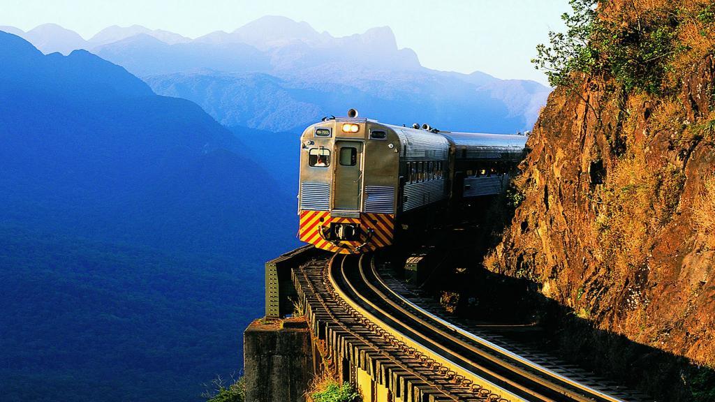 Linha Curitiba-Morretes é uma das mais turísticas do Brasil