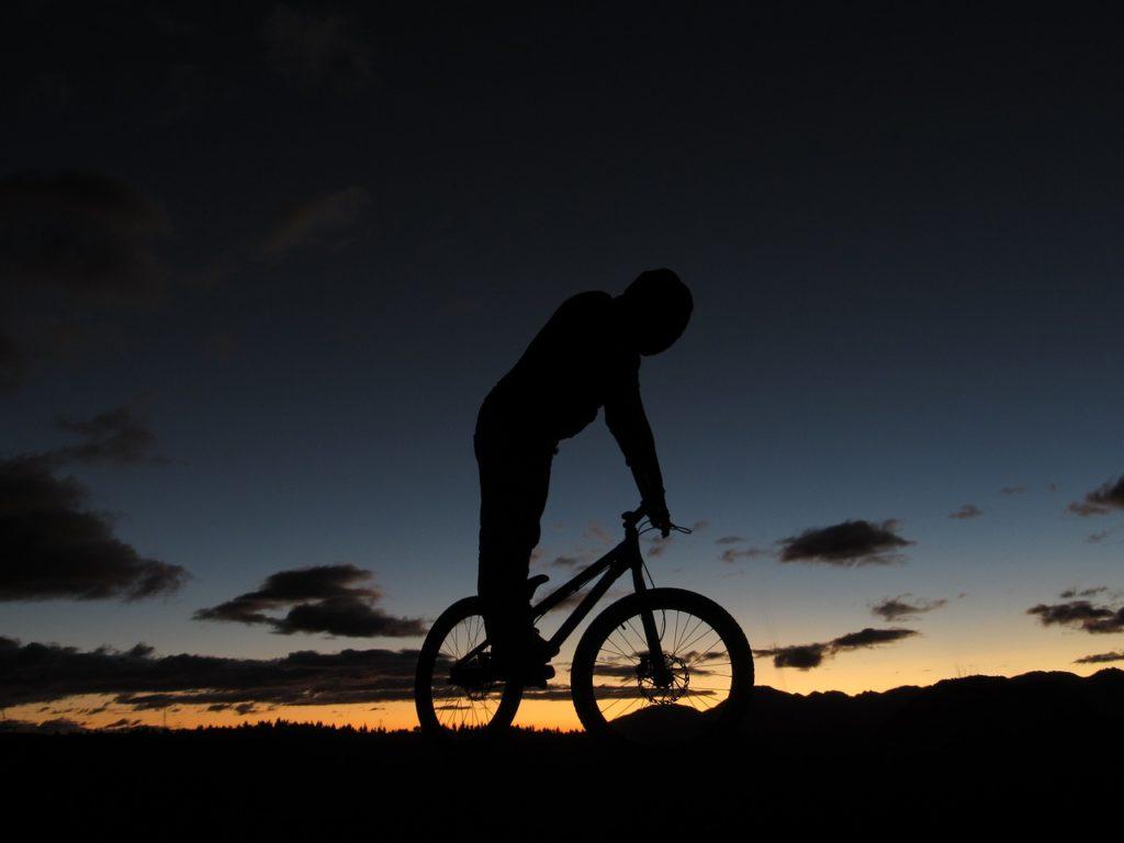 Apreciar a Cordilheira dos Andes entre os 8 roteiros de bicicleta pelo mundo