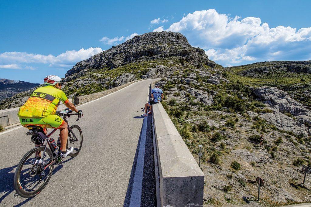 8 roteiros de bicicleta pelo mundo. Desbrave a costa do Mediterrâneo