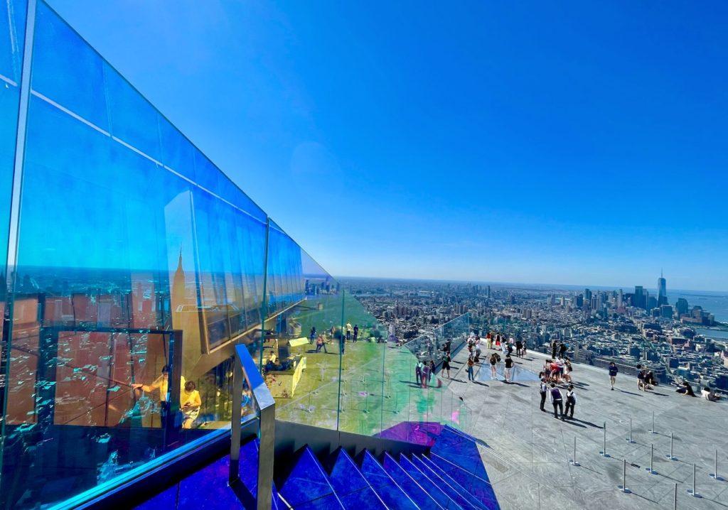 Atração mais recente, o Edge Observation Deck foi inaugurado em 2021