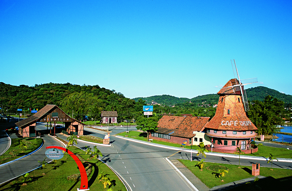 A maior cidade catarinense também foi atrás do selo