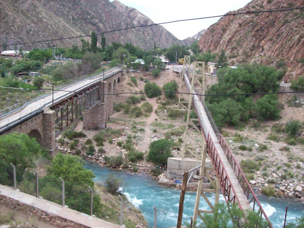 Trilha e rapel em Cacheuta mais águas termais