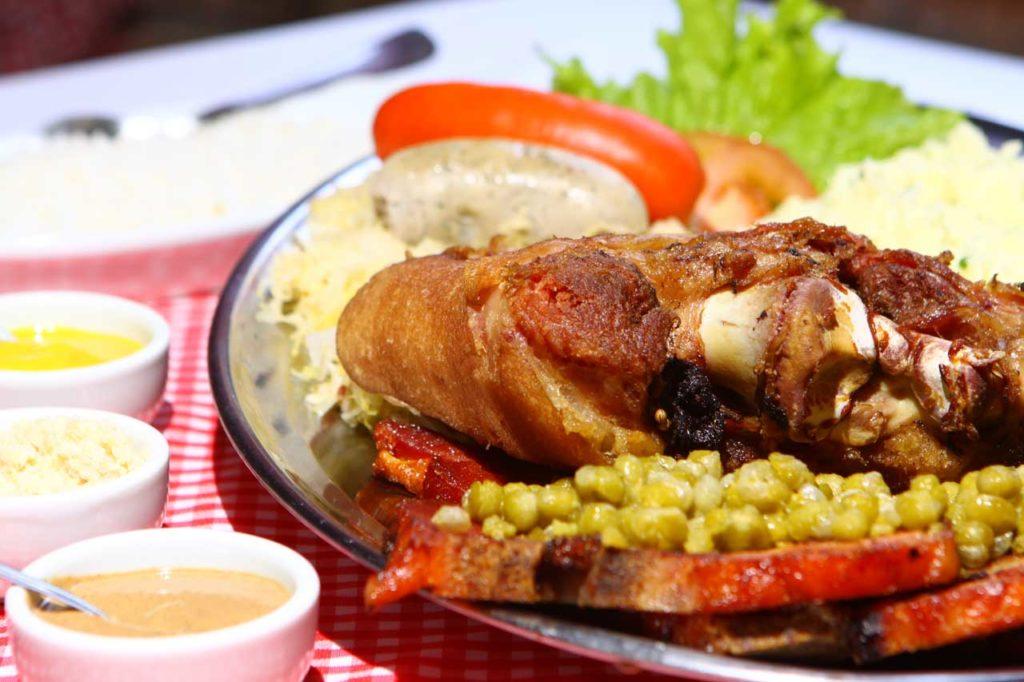 Gastronomia é outro importante atrativo da cidade