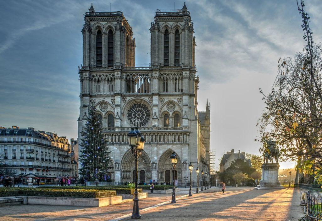O tour por Paris está na lista dos 7 passeios gratuitos na Europa