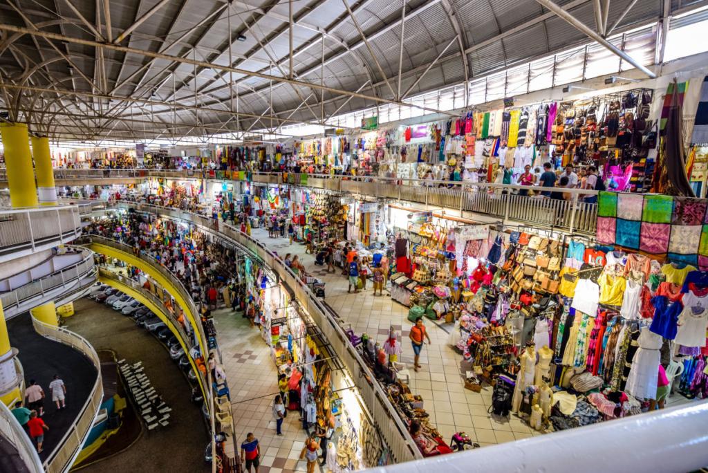 Tour pelo Mercado Central de Fortaleza e praia de Sabiaguaba