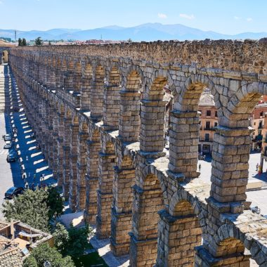 Um programa imperdível na lista do que fazer em Segóvia na Espanha: conhecer o Aqueduto