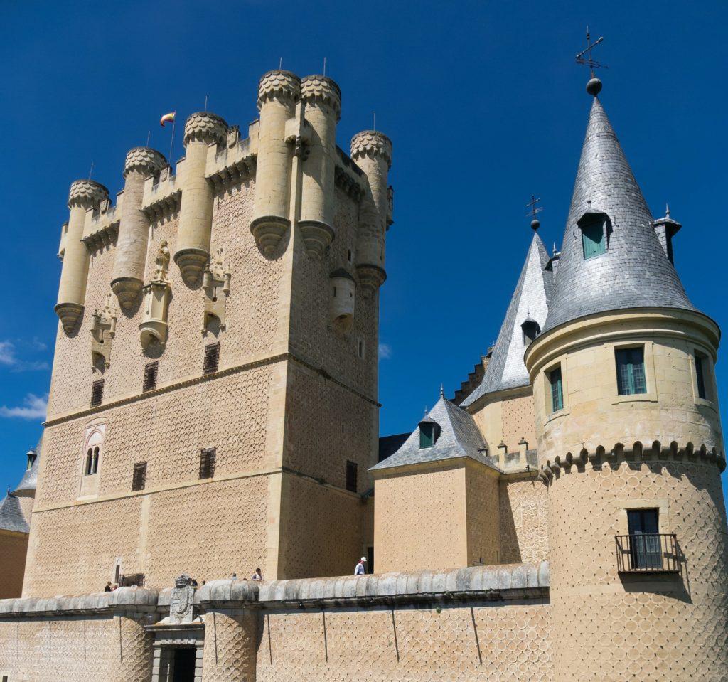 Castelo Alcázar entre as atrações da cidade espanhola