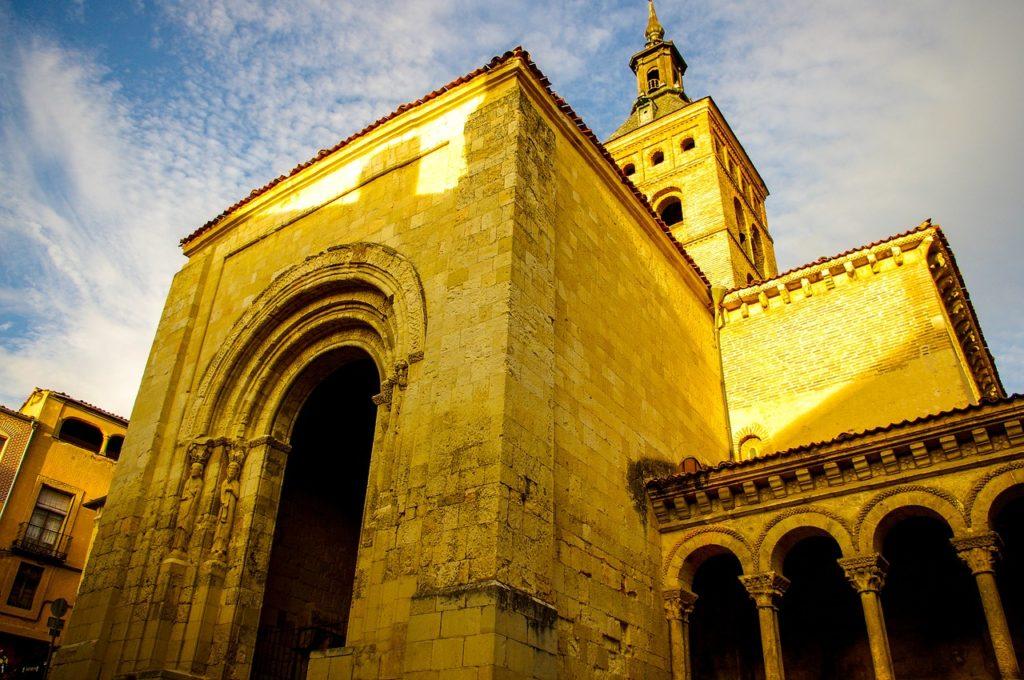 As igrejas são famosas na cidade